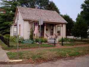 Edgar Lee Masters home in Petersburg, Illinois (photo courtesy of PetersburgIL.com).