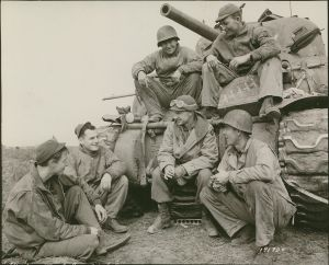Ernie Pyle talks with members of the 191st Tank Battalion at Anzio.