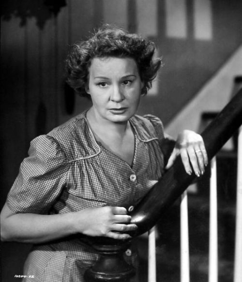 """Shirley Booth in the film version of """"Come Back, Little Sheba""""--an incredible performance. (Photo: classicmoviesblogspot.com)"""